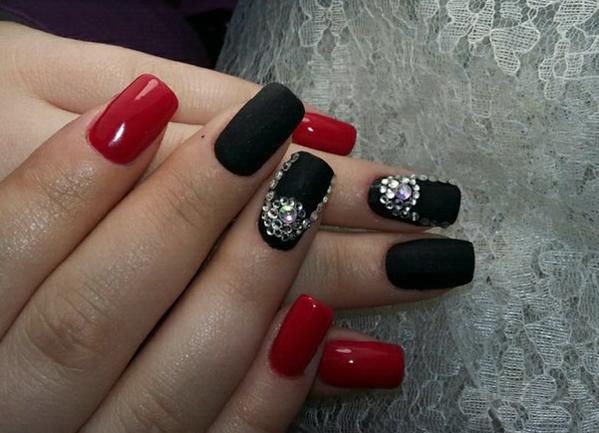 Черно красный маникюр